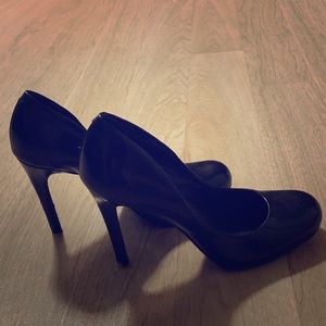 Jessica Simpson Shoes - Jessica Simpson Black Round Toe Heel